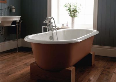 Bentley Madera double ended bath