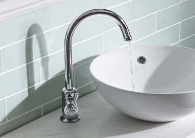 York basin mixer lifestyle v01